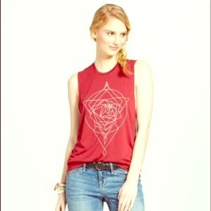 💕Maroon Fifth Sun Geometric Rose Sleeveless T💕